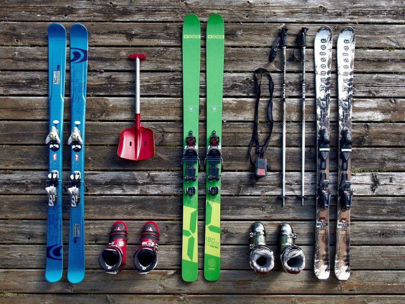 Storing skiing gear