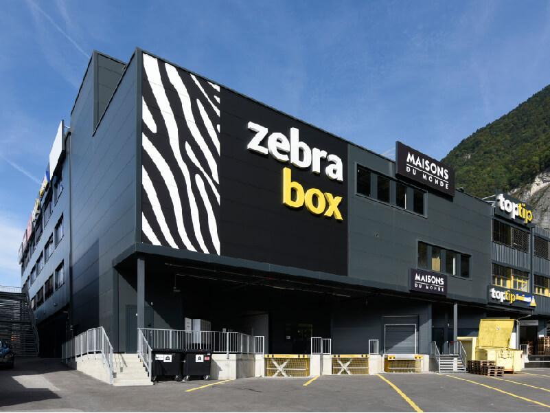 Zebrabox Villeneuve building signage