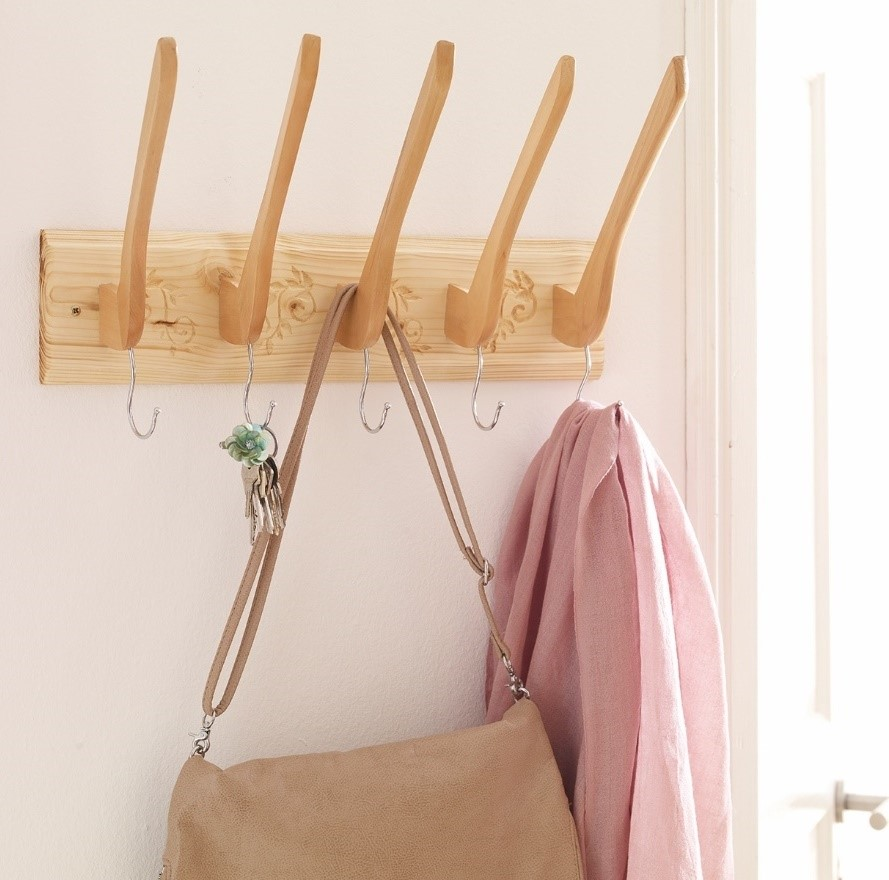 Upcycling coat hanger