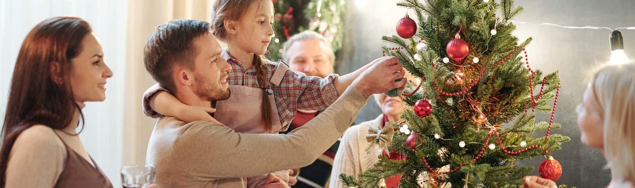 Storing Christmas decorations correctly