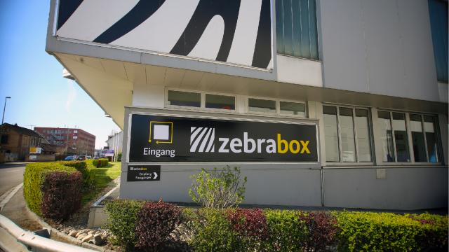 Eingang zur Zebrabox Basel-Allschwil