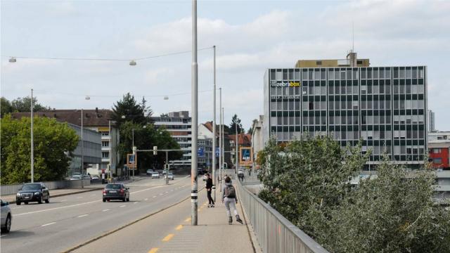 Monbijoubrücke Zebrabox Bern