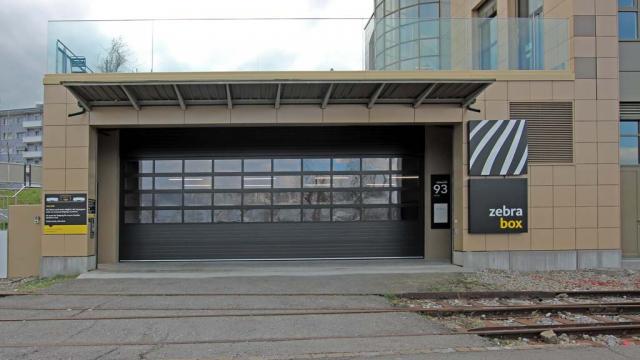 Eingang Zebrabox Horgen