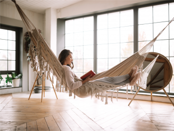 Le stockage intelligent : Et si on arrêtait de devoir se faxer entre les meubles ?